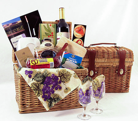 #11 Washington Wine Country Picnic Hamper Wine Basket
