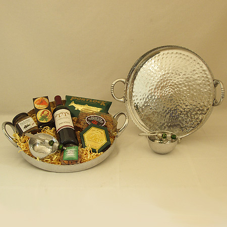 24 Northwest Entertainer with Hammered Tray and Serving Bowl